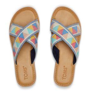 TOMS Viv Criss Cross Geometric Pattern Sandals